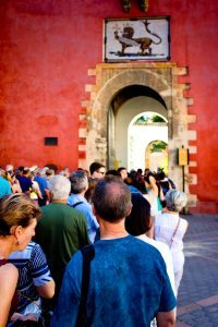 Crowds and Queues on holiday
