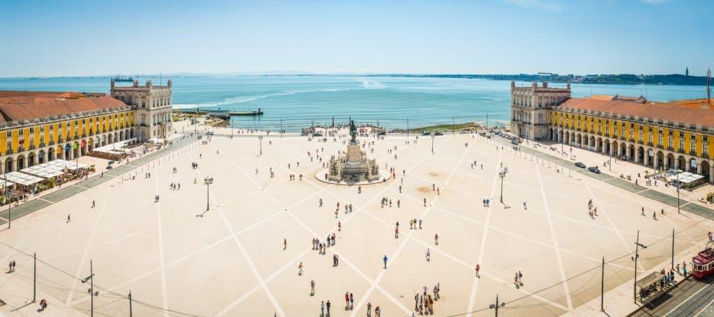 Praco do Comercio waterfront square