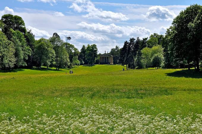 A photograph of Stowe Park today