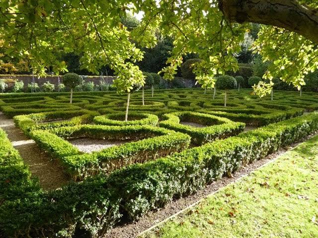 A Knot Garden