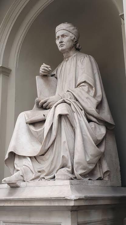 A sculpture of Arnolfo di Cambio
