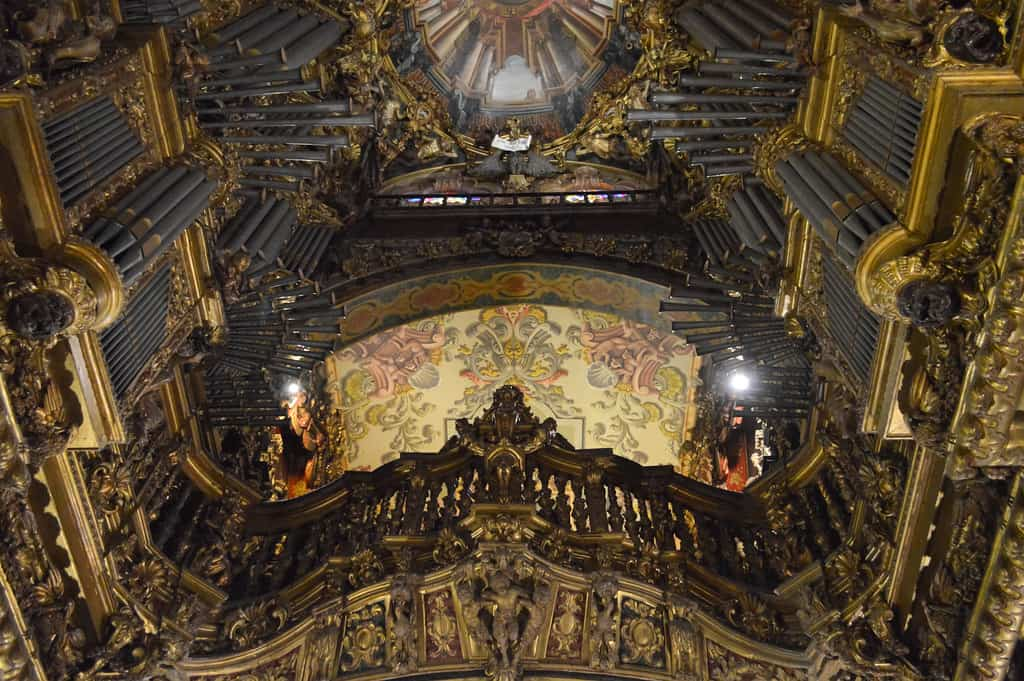 The impressive Baroque organ in Braga Cathedral