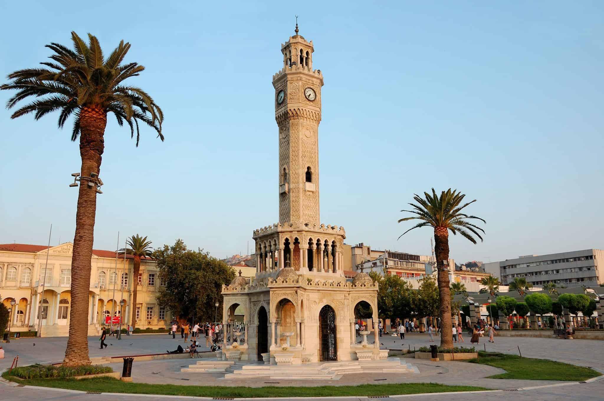İzmir Konak Square